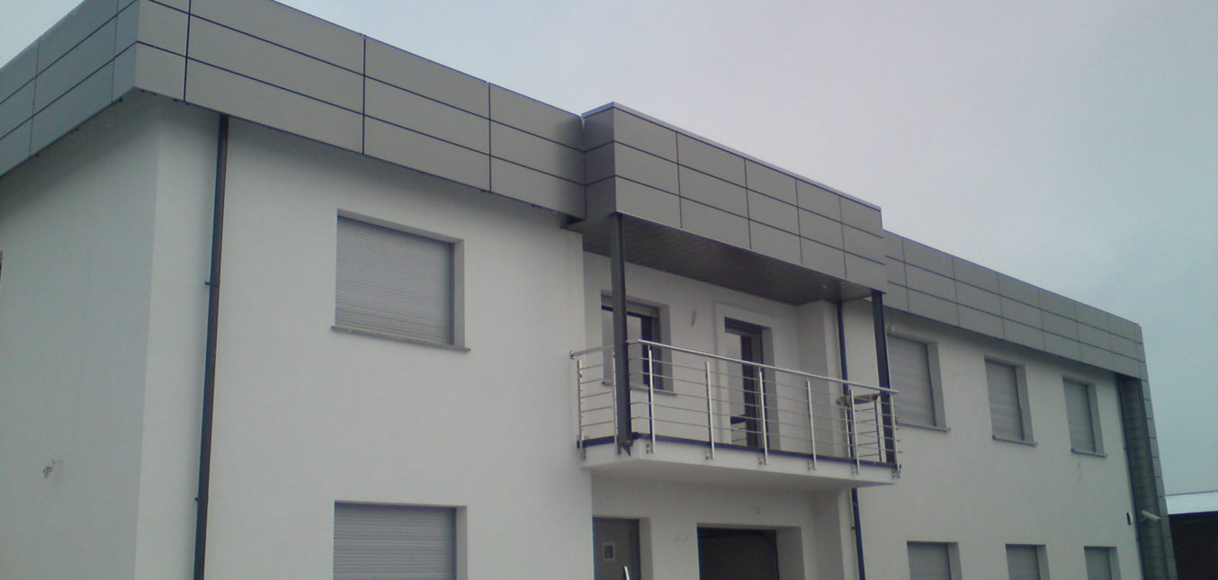 kasetony-elewacyjne-kasetony-blaszane-elewacje-blaszane-panele-elewacyjne-panele-blaszane-panele-panele-scienne1-1354x645